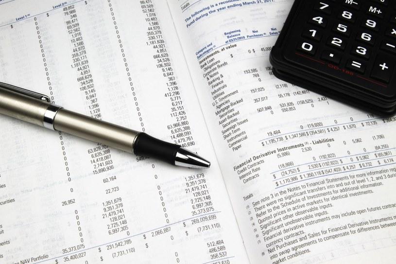 Cena obligacji jest ściśle związana z poziomem rynkowych stóp procentowych /123RF/PICSEL