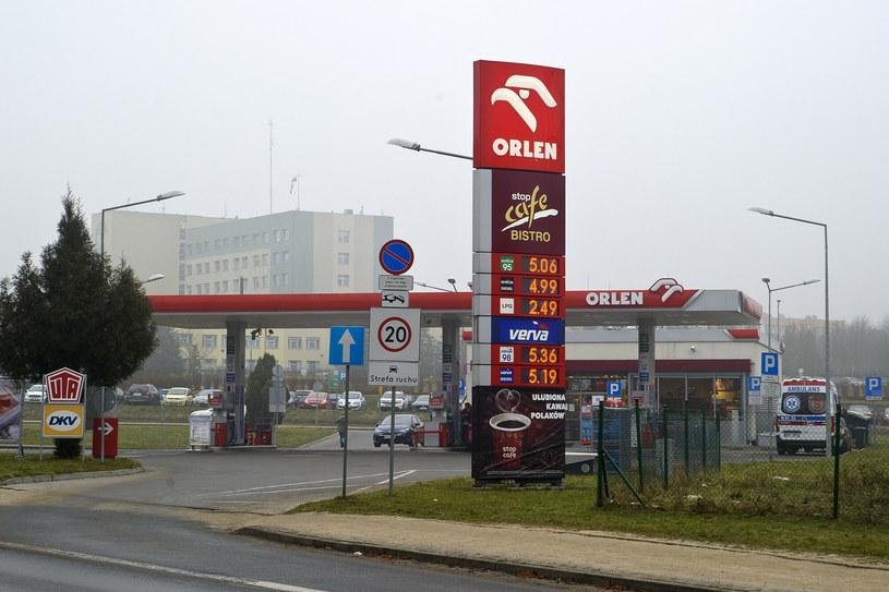Cena paliwa przebiła barierę 5 zł/litr. A prezes Obajtek chwali się rekordowymi zyskami Orlenu /Stanisław Bielski /Reporter