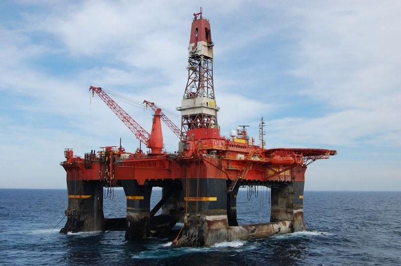 Cena ropy naftowej jest dobrym termometrem stanu koniunktury gospodarczej w świecie /© Panthermedia