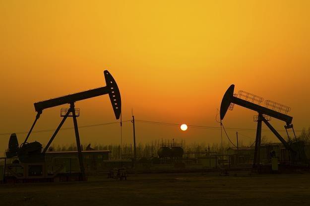 Cena ropy uzależniona jest od polityki moneternej w USA /©123RF/PICSEL