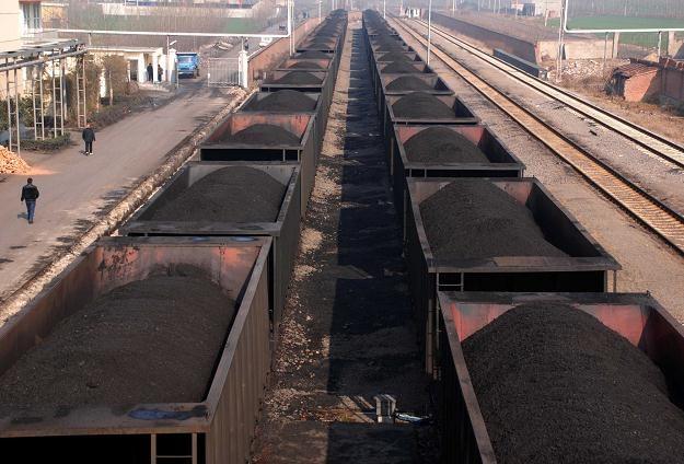 Cena węgla energetycznego spadnie o 19 procent /AFP