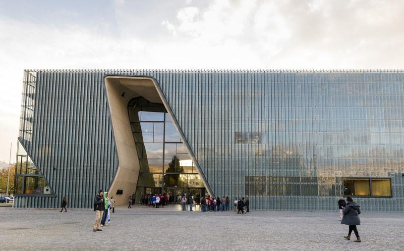 Ceniony w świecie budynek Muzeum Historii Żydów Polskich /123RF/PICSEL
