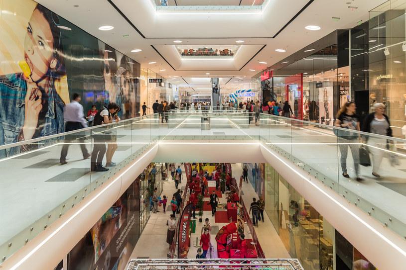 Centra handlowe apelują o otwarcie przed Świętami /123RF/PICSEL