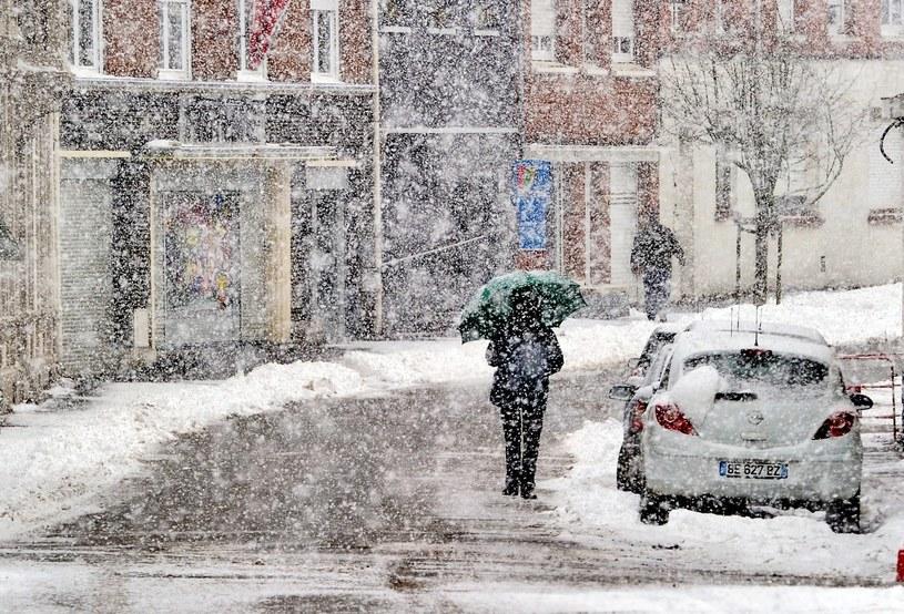 Centralną i południowo-wschodnią Francję zaatakowała zima /AFP