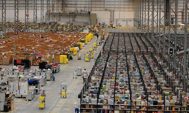Centrum dystrybucyjne lidera sprzedaży internetowej - Amazona /AFP