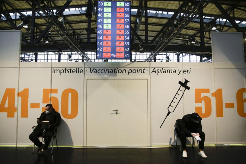 Centrum szczepień w Berlinie zostanie zamknięte /Markus Schreiber/AP/Pool/Anadolu Agency /Getty Images