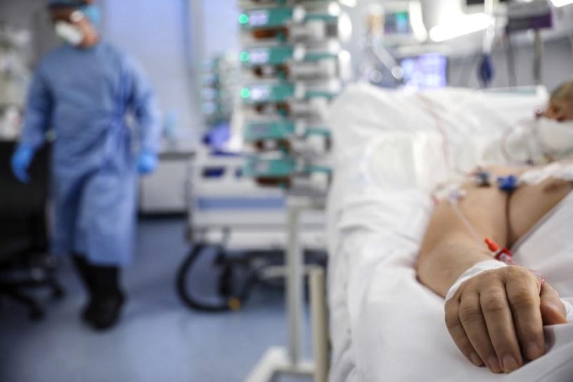 Centrum Terapii Pozaustrojowej Centralnego Szpitala Klinicznego MSWiA w Warszawie, gdzie przebywają pacjenci chorzy na COVID-19 poddani terapii VV ECMO. / Leszek Szymański    /PAP
