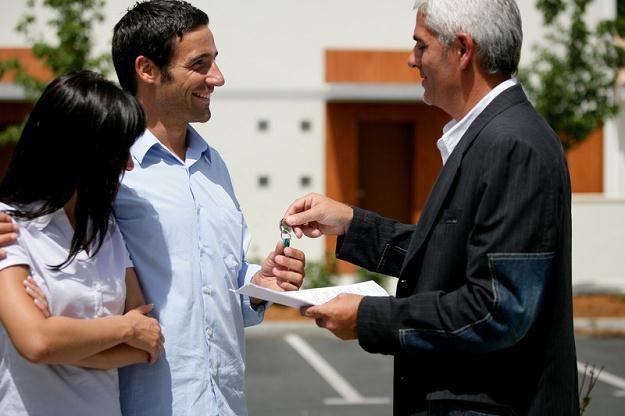 Ceny mieszkań na rynku wtórnym powinny być wyższe od cen lokali z pierwszej ręki /© Panthermedia