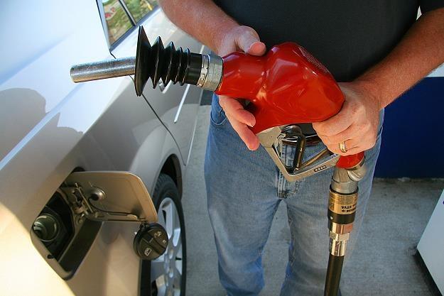 Ceny paliw pod presją /AFP