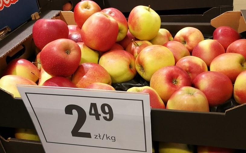 Ceny pomarańczy i jabłek spadają. Reszta owoców zdrożała /MondayNews