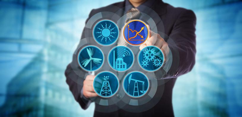 Ceny prądu, dekarbonizacja oraz unijnym budżetem dla energetyki to nowe wyzwania dla rządu /&nbsp