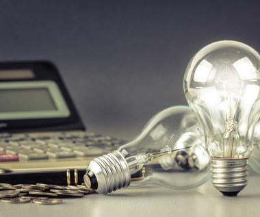 Ceny prądu uwalniają się same. Co trzeci klient nie korzysta z taryf zatwierdzanych przez URE