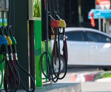 Ceny ropy i gazu lecą w dół. Jakie będą dalsze skutki ataku koronawirusa?