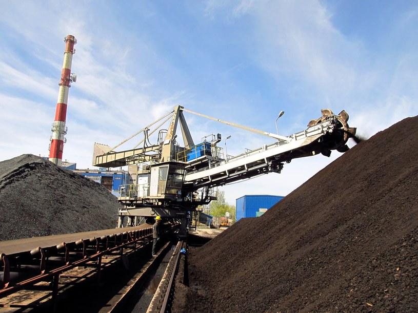 Ceny węgla rosną od Australii /123RF/PICSEL