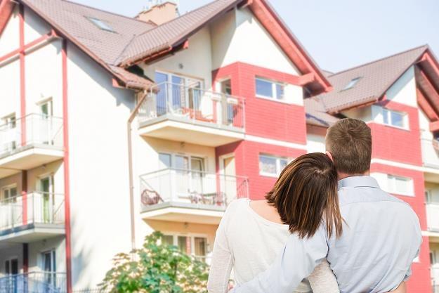 Ceny wyższe i Polacy zadłużają się coraz bardziej /©123RF/PICSEL