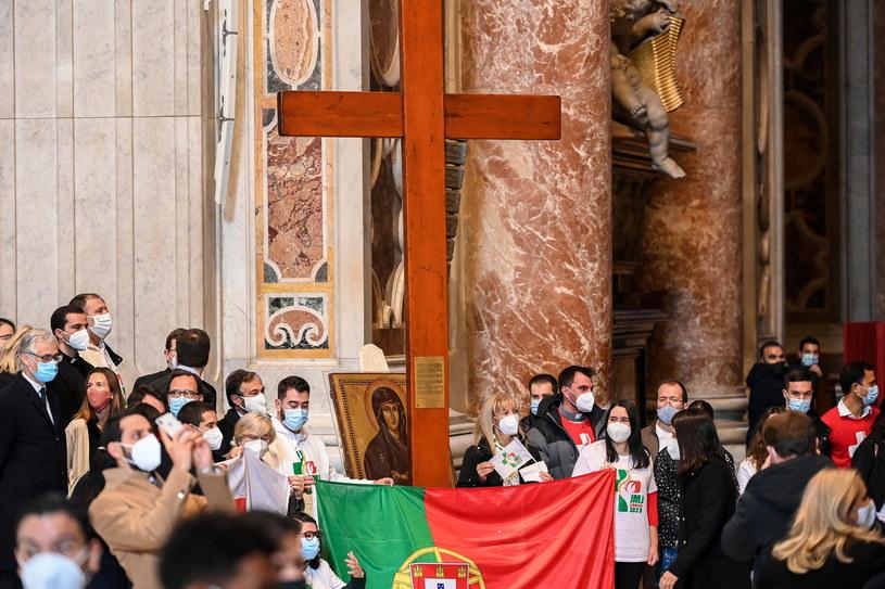 Ceremonia przekazania krzyża Światowych Młodzieży /VINCENZO PINTO /PAP/EPA