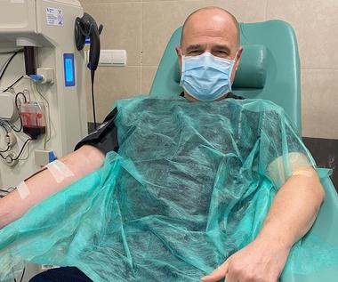 Cezary Żak pokonał koronawirusa. Aktor pokazał zdjęcie ze szpitala