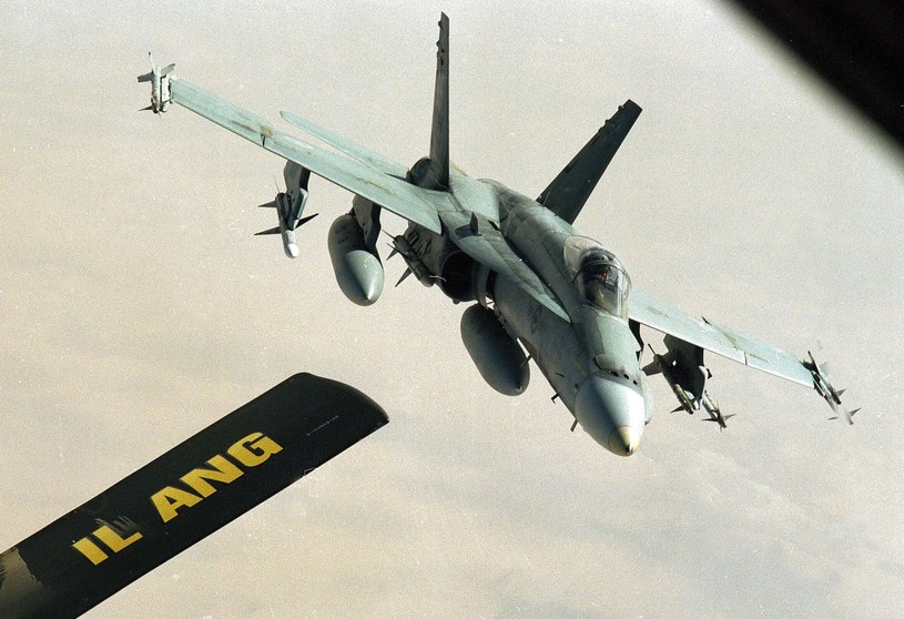 CF-18 /ASSOCIATED PRESS/Gill Allen /East News
