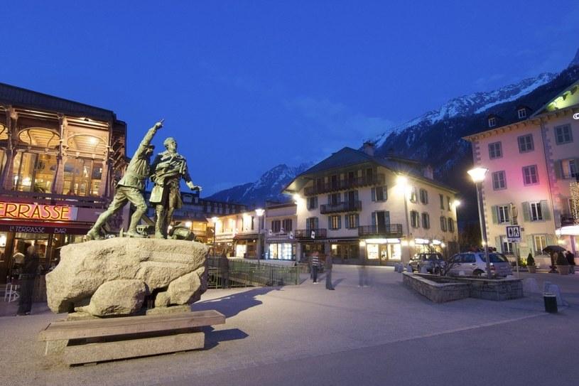 Chamonix jest znany jako światowa stolica alpinizmu. Co roku miasto odwiedzają tysiące turystów /123RF/PICSEL