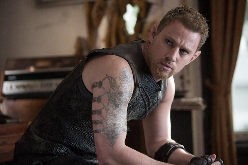 """Channing Tatum ma szansę na swoją pierwszą Malinę za film """"Jupiter: Intronizacja"""" /materiały dystrybutora"""