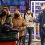 Chaos i kolejki na lotniskach. Powodem tzw. paszporty covidowe