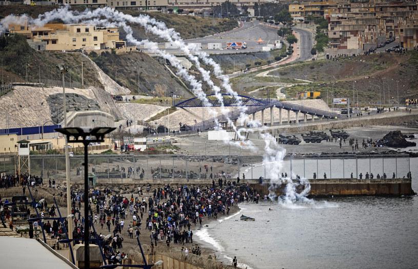 Chaos w Ceucie /AFP