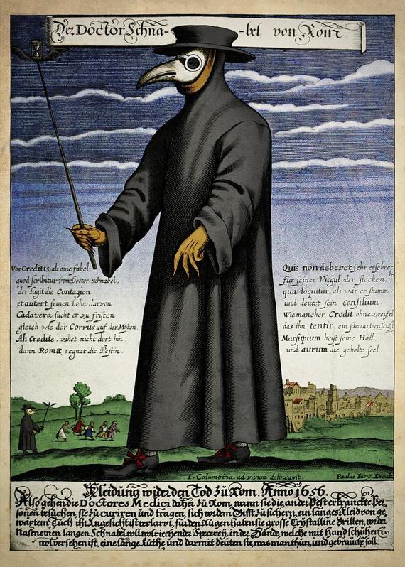 """Charakterystyczne maski, jakie w czasie epidemii dżumy nosili lekarze. W """"dziobach"""" były zioła i substancje, które miały uchronić przed zakażeniem. /Wikimedia"""