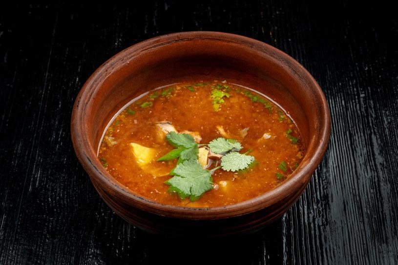Charakterystyczny kwaskowaty smak wspaniale komponuje się z dodatkami mięsnymi /123RF/PICSEL