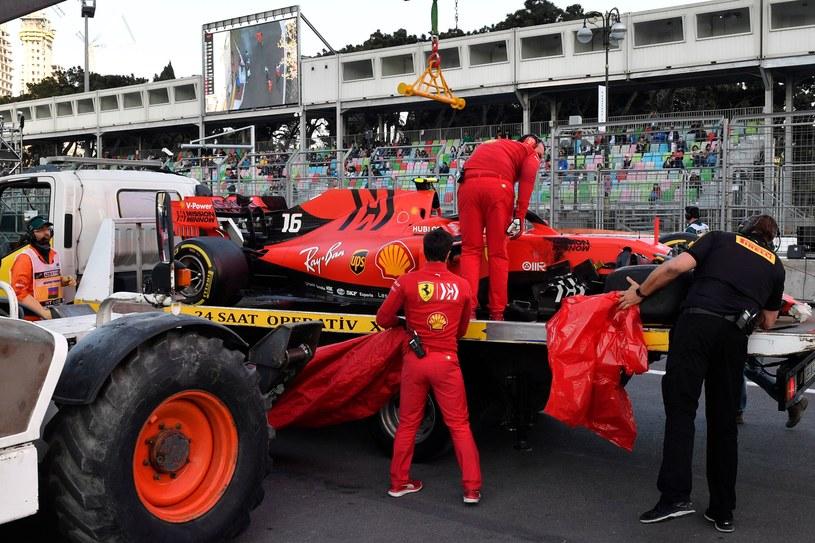 Charles Leclerc rozbił Ferrari /AFP