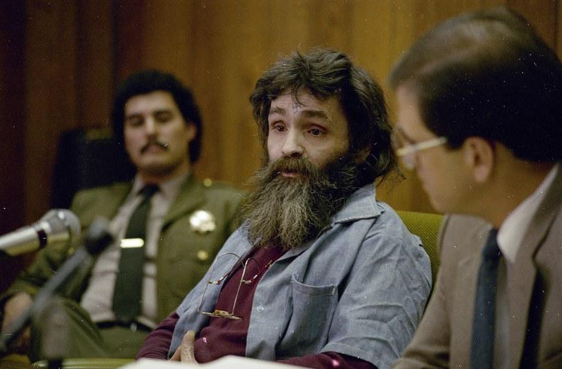 Charles Manson podczas przesłuchania w 1986 roku, 17 lat po zbrodni w Hollywood /East News