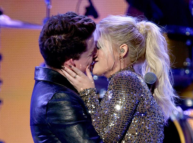 Charlie Puth i Meghan Trainor na gali AMA 2015 /Kevin Winter /Getty Images