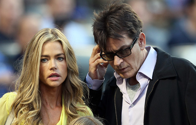 Charlie Sheen i Denise Richards /Elsa /Getty Images