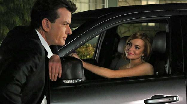 """Charlie Sheen i Lindsay Lohan na planie serialu """"Jeden gniewny Charlie"""". /Comedy Central /materiały prasowe"""