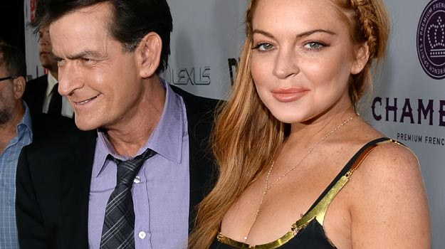 "Charlie Sheen i Lindsay Lohan na premierze ""Strasznego filmu 5"" - fot. Jason Merritt /Getty Images/Flash Press Media"