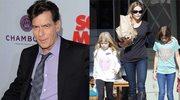 Charlie Sheen na prośbę nowej kochanki wyrzucił córki i ich matkę z domu