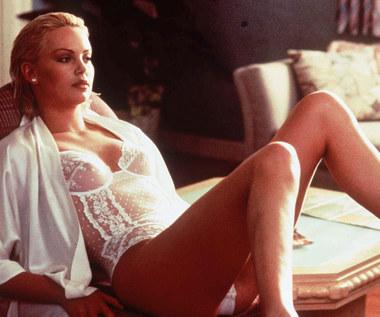 Charlize Theron: Elegancja i magnetyzm