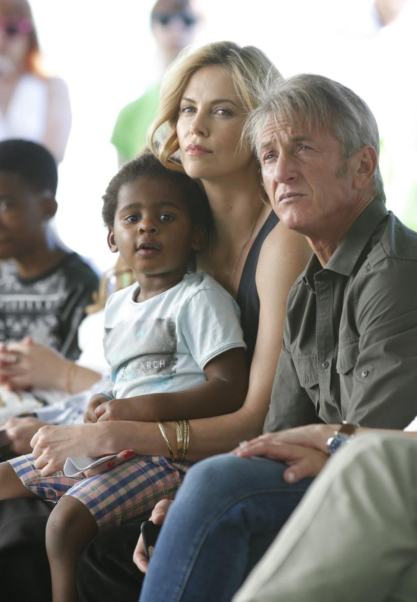 Charlize Theron jest mamą 2-letniego synka /Joe Scarnici /Getty Images