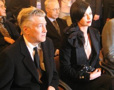 Charlize Theron odebrała nagrodę z rąk Davida Lyncha /RMF