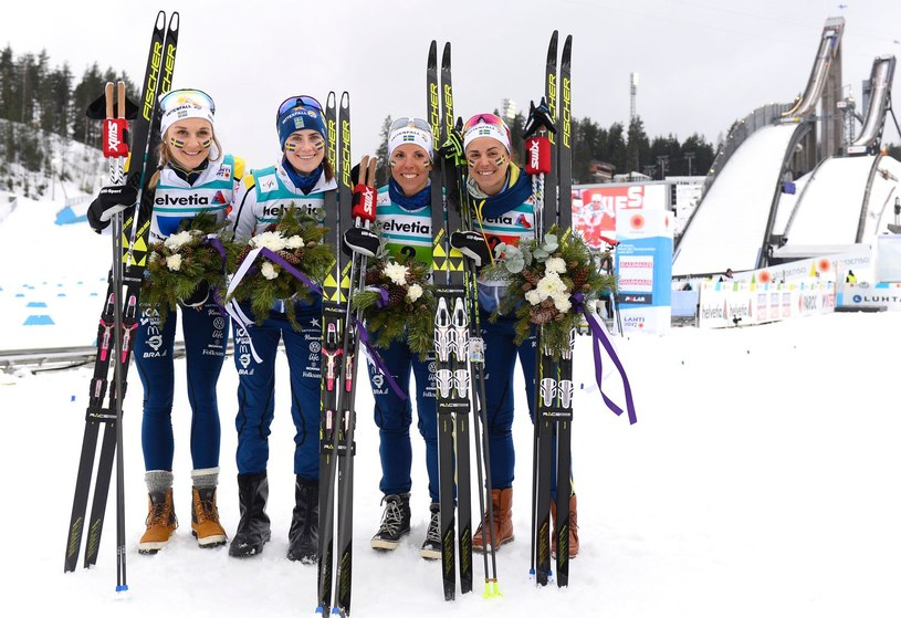 Charlotte Kalla (druga od prawej) w szwedzkiej sztafecie /AFP