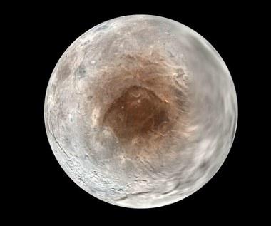 Charon wykradł część atmosfery Plutona