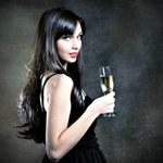 Chcesz mieć dobrą pamięć? Pij szampana!
