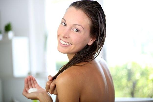 Chcesz mieć piękne włosy? Zacznij o nie dbać /123RF/PICSEL