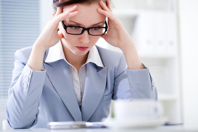 Chcesz przecież być postrzegana jako znakomity pracownik, koleżanka, żona, pani domu czy wreszcie matka. Potem, gdy zadanie zostanie wykonane, padasz ze zmęczenia i często przychodzi rozgoryczenie i smutna refleksja, że odbyło się to twoim kosztem /123RF/PICSEL