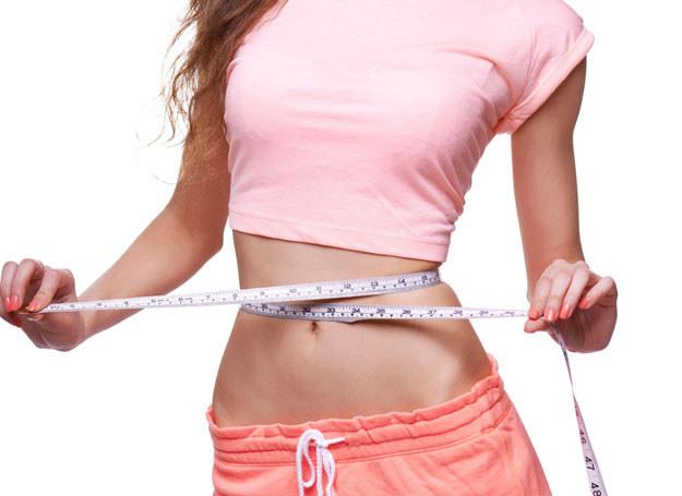 Chcesz schudnąć? Pamiętaj, że podstawą jest zdrowe odżywianie /123RF/PICSEL