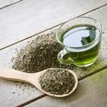 Chcesz się rozgrzać herbatą? Zapomnij o zielonej...