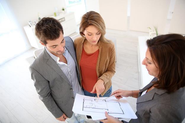 Chcesz sprzedać mieszkanie? Pośpiesz się, początek roku może być trudny /©123RF/PICSEL