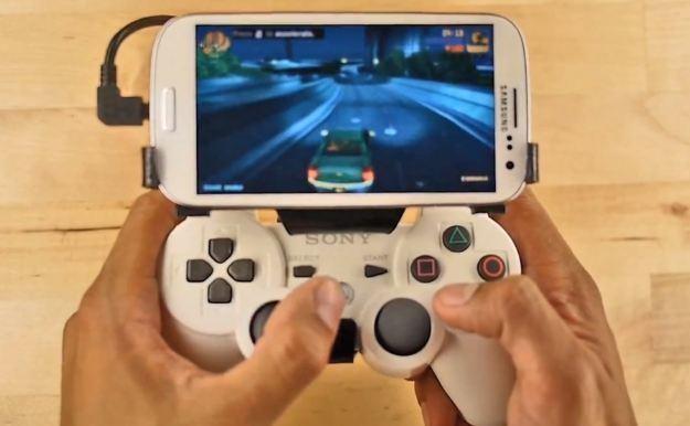 Chcesz zamienić smartfona w konsolę do gier? /Informacja prasowa