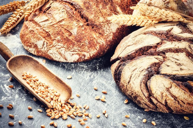 Chcesz zdrowo schudnąć? Nie rezygnuj z chleba! /123RF/PICSEL