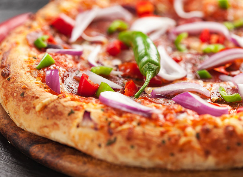 Chcesz zjeść mniej? Podziel posiłek na mniejsze porcje! /123RF/PICSEL