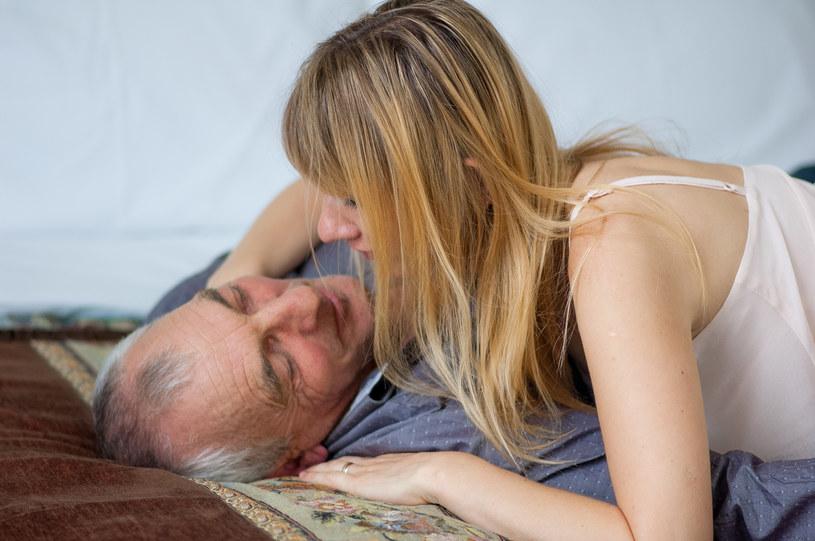 Chcesz żyć długie lata w dobry zdrowiu? Zadbaj o jakość swojego związku. To w końcu kluczowy element naszego życia... /123RF/PICSEL